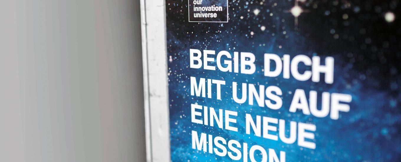 LHG_0227_16_Our_Innovation_Boardtrolley_Aufkleber_Header_161130_01_IMG_5234_CMYK